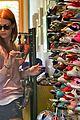 january jones shoe shopping with xander 03