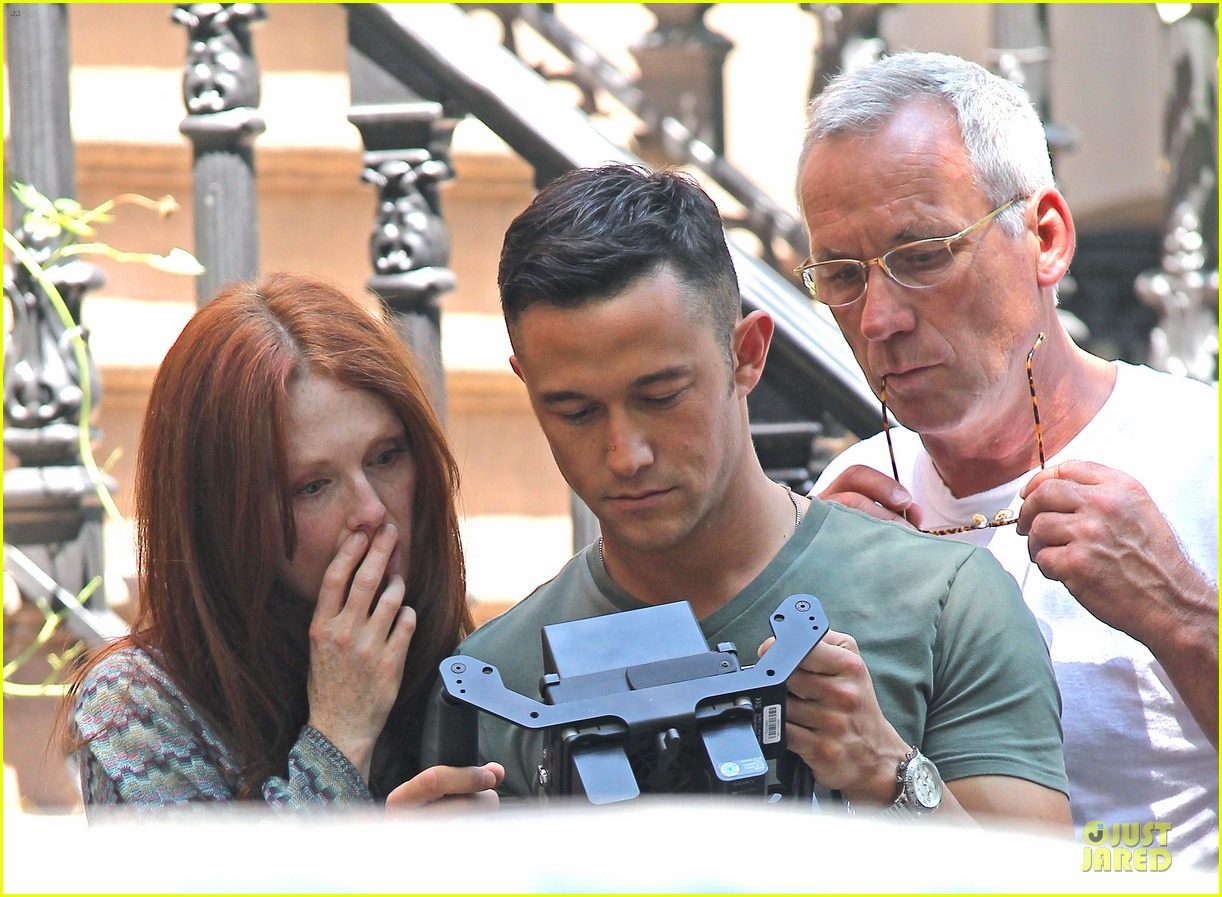 joseph gordon levitt julianne moore daughter 022680925