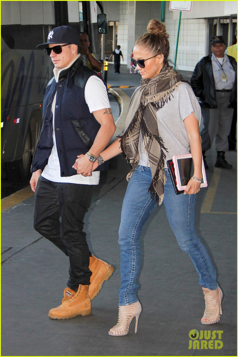 jlo fam rio landing 04