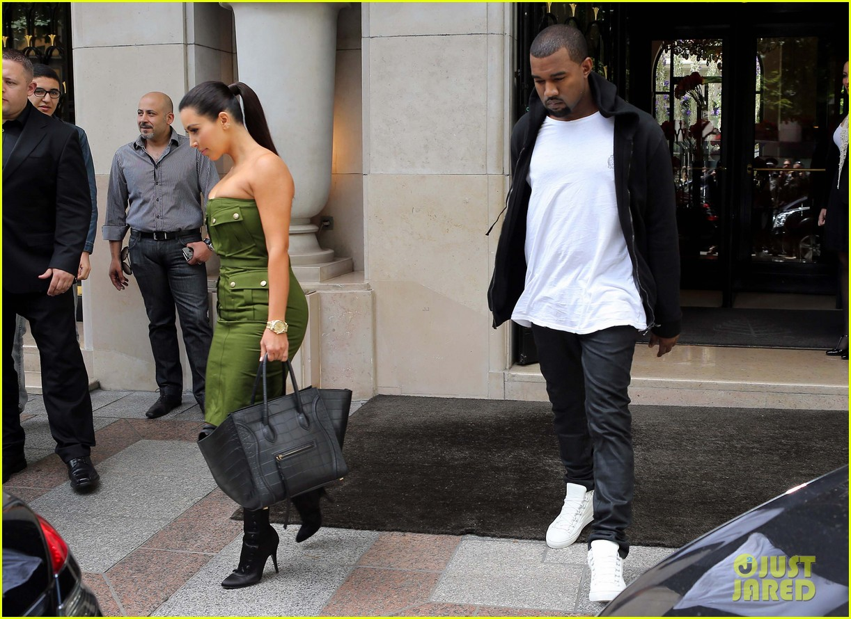 kanye kim leaving paris hotel 01