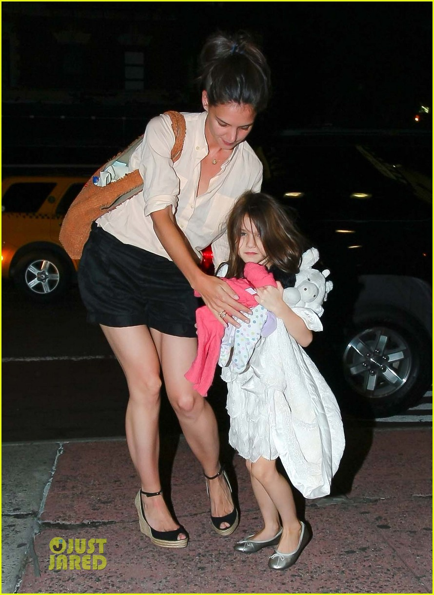 katie holmes suri cruise brave movie 01