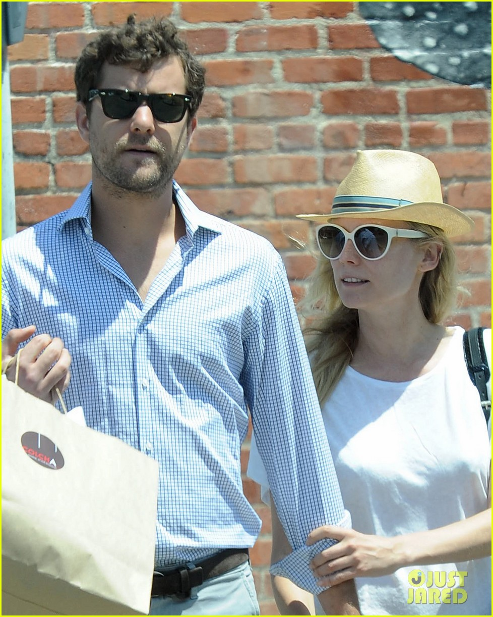 diane kruger joshua jackson shopping kings game 06
