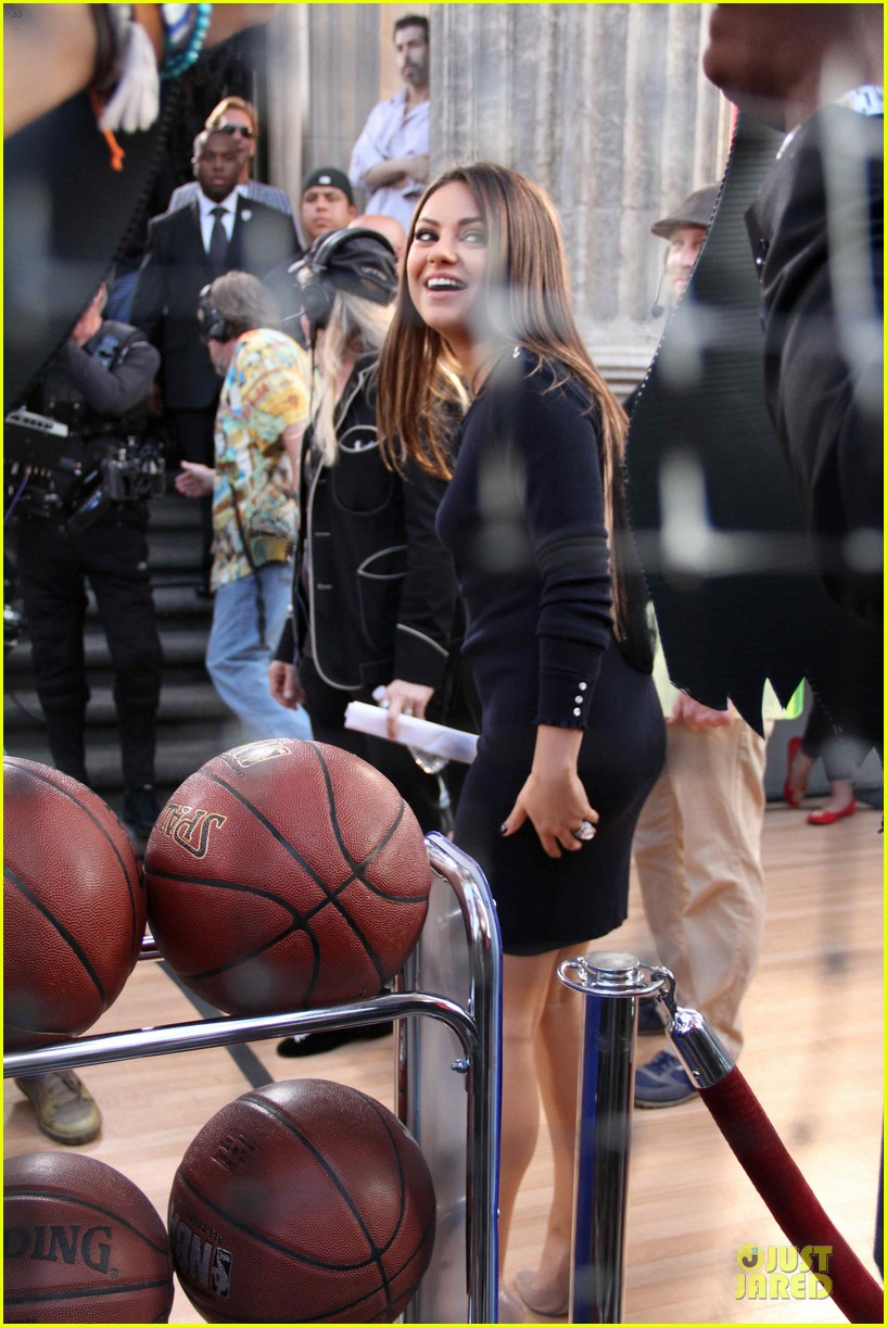 mila kunis shoots hoops hollywood 01
