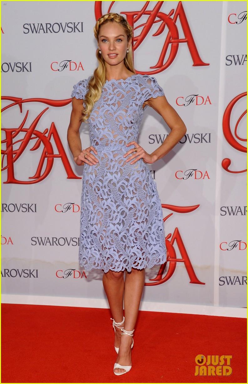 karolina kurkova candice swanepoel cfda fashion awards 2012 05