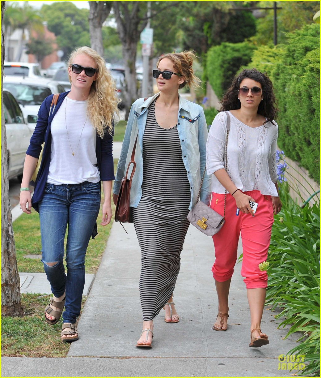 jennifer lawrence santa monica pals 11