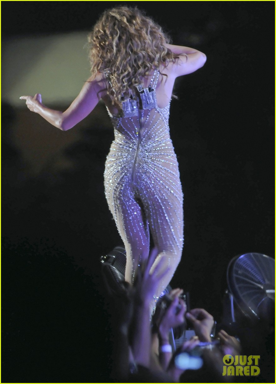 jennifer lopez pop music festival 29