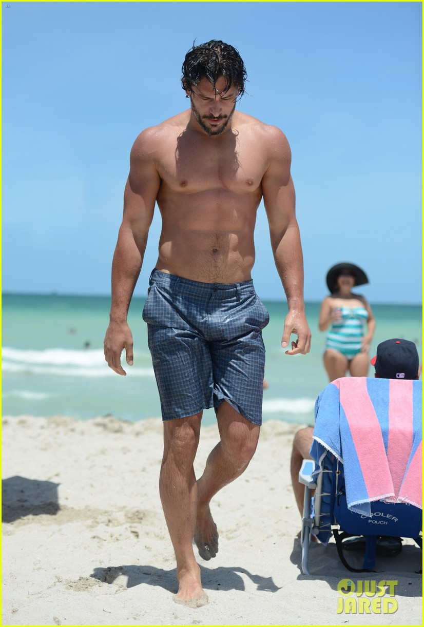 manganiello shirtless miami 03