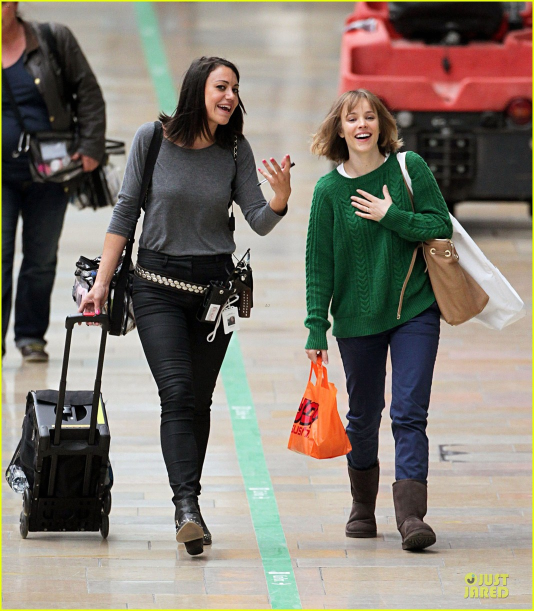 rachel mcadams about time paddington station 02