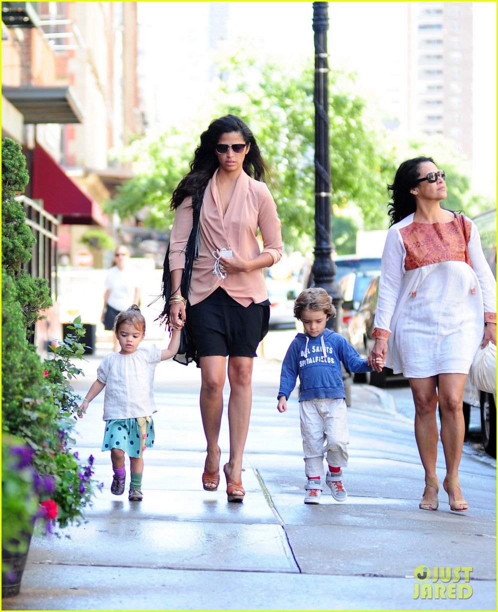 matthew mcconaughey camila alves out and about 06