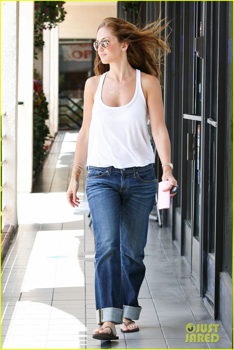minka kelly busy week 05