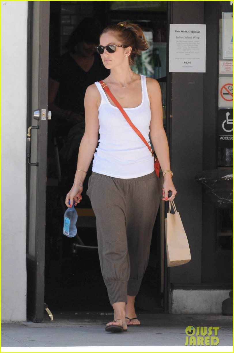 minka kelly m cafe 08