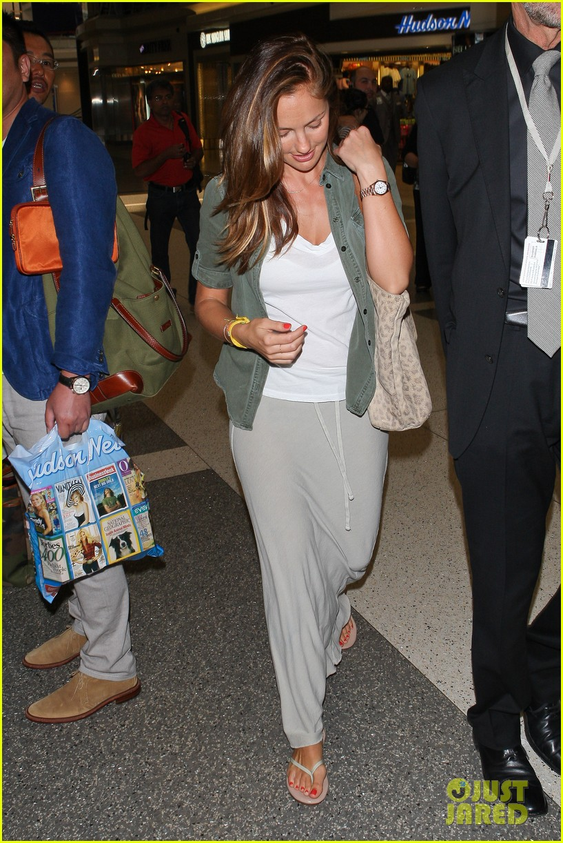 minka kelly lax parking ticket 12