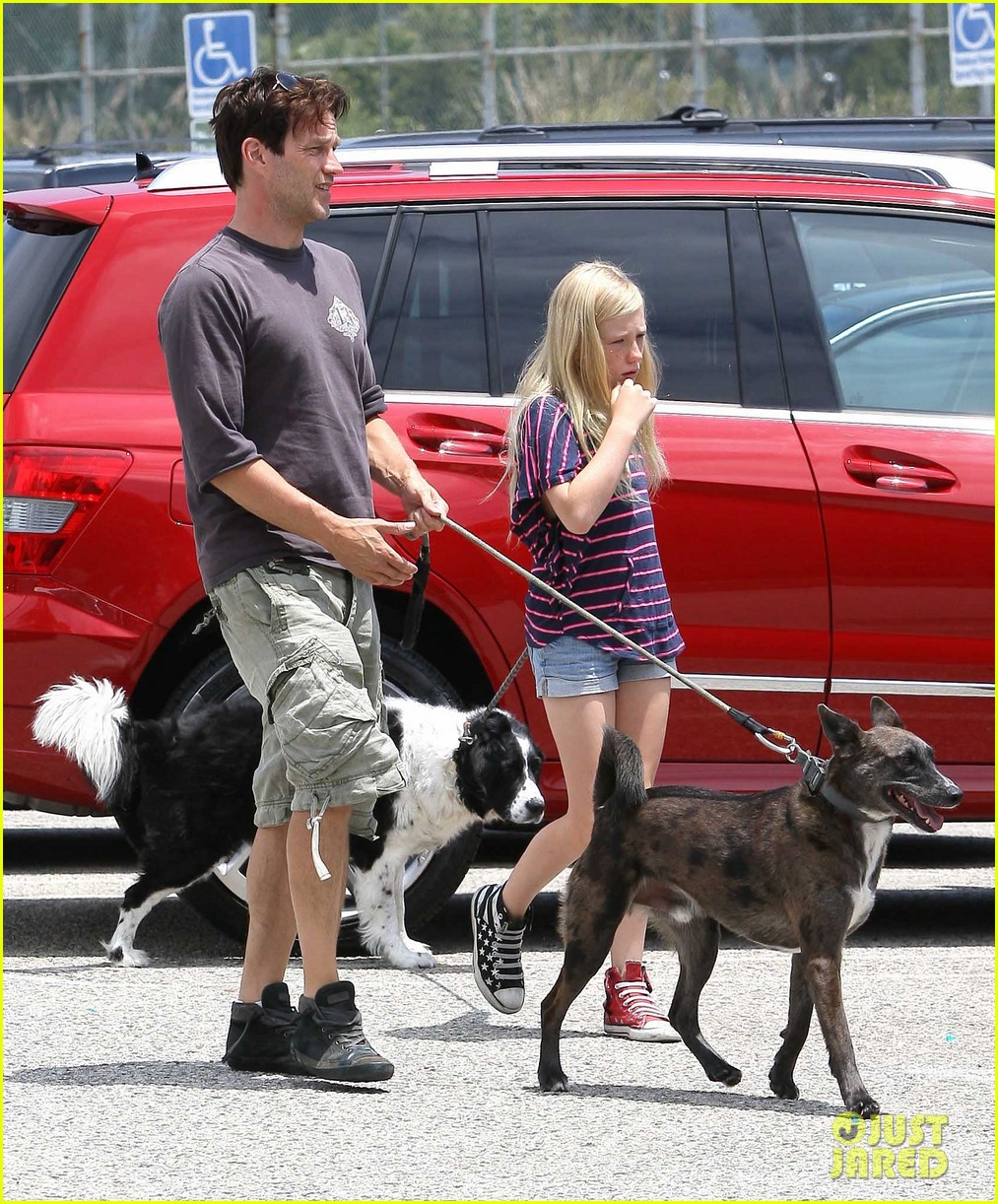 stephen moyer walking dogs with lilac 04