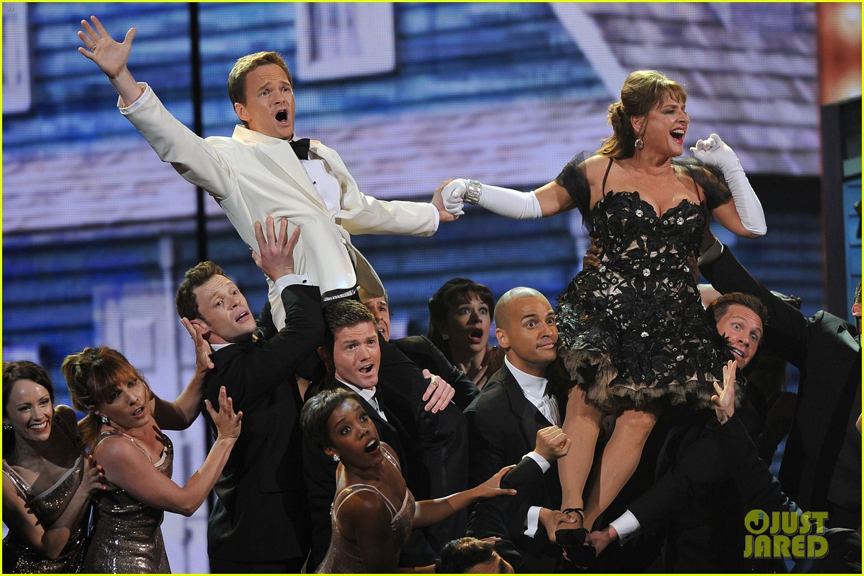 neil patrick harris tony awards 2012 host 12