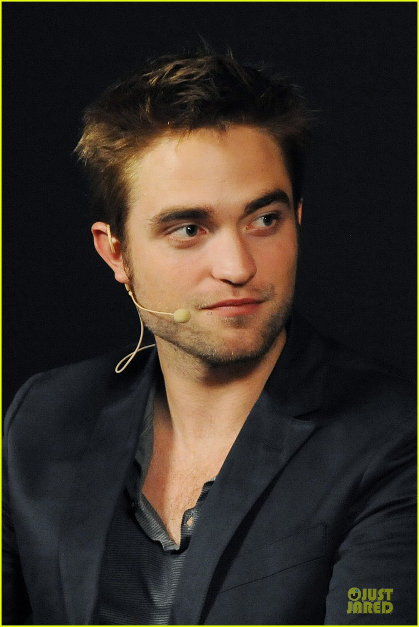 robert pattinson apple qa 01