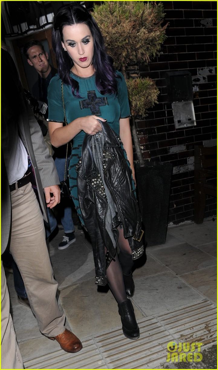 katy perry dove pub 05
