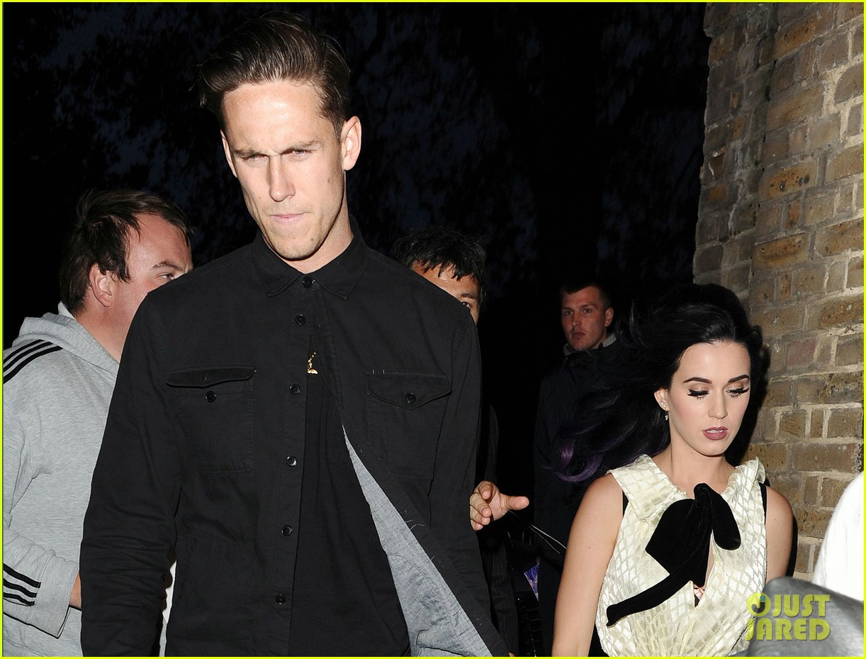 katy perry robert ackroyd london lovers 10