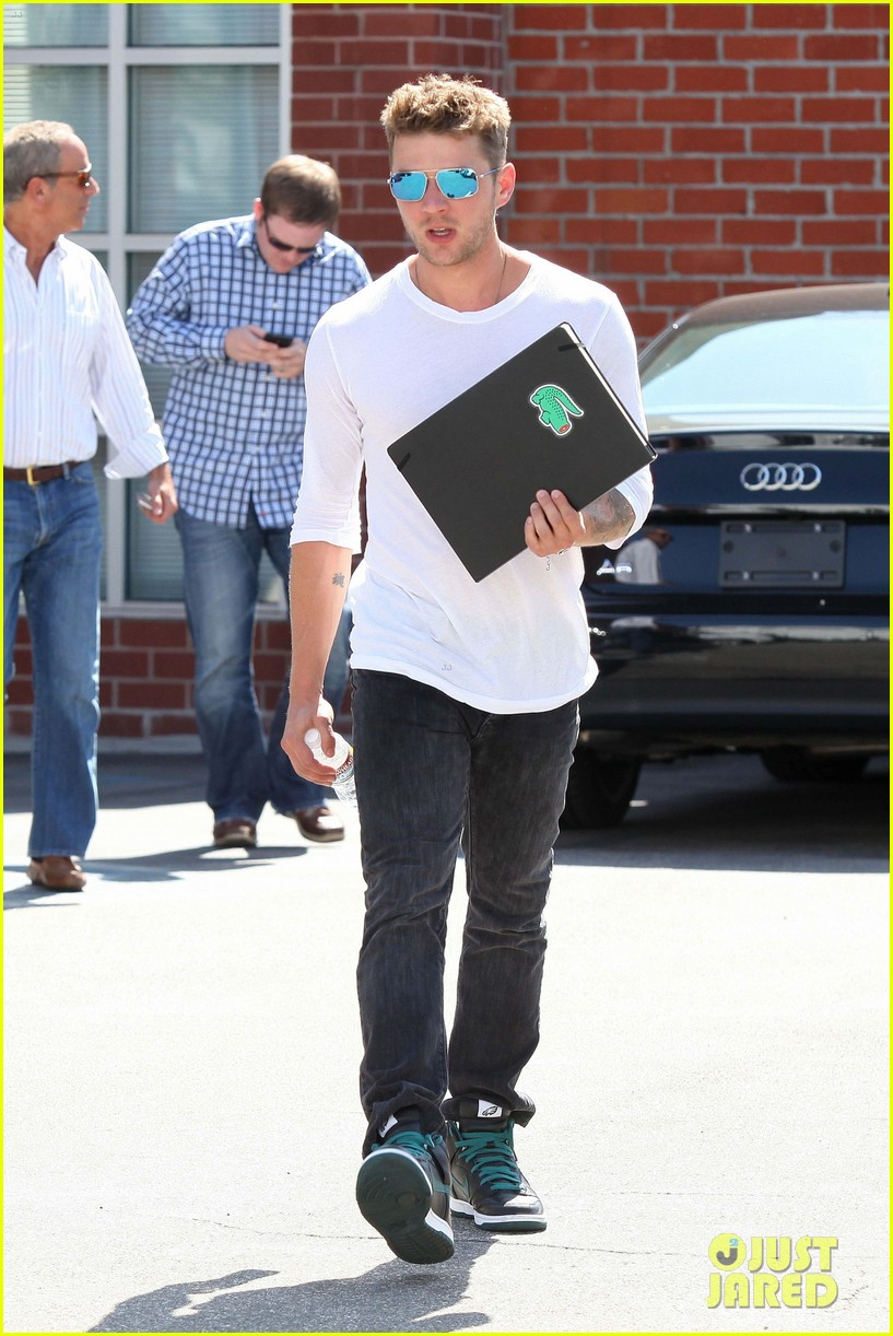 ryan phillippe sketchbook 042674692