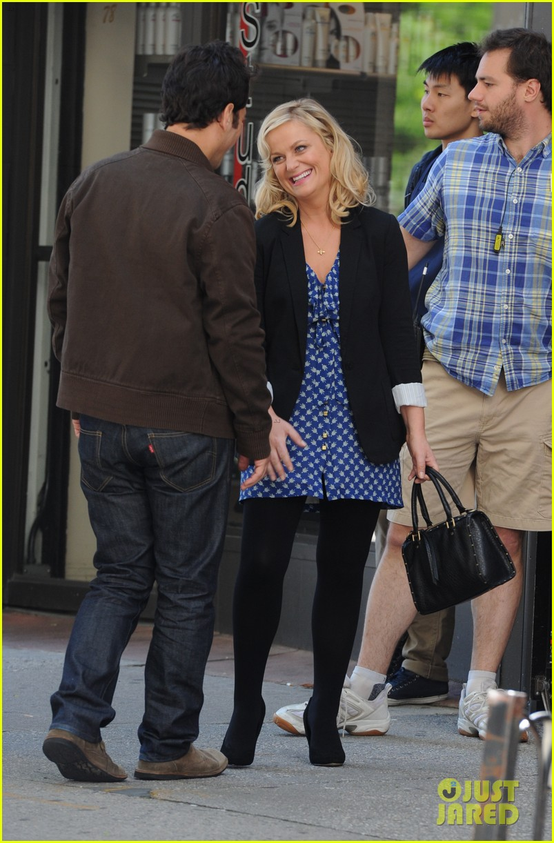 amy poehler they came together set with paul rudd 01