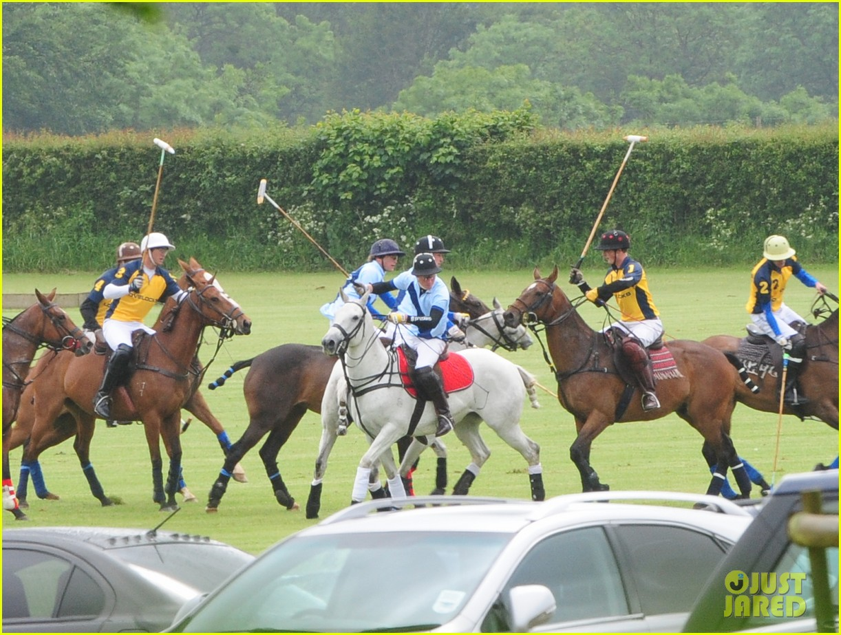 princes harry william charity polo match 09