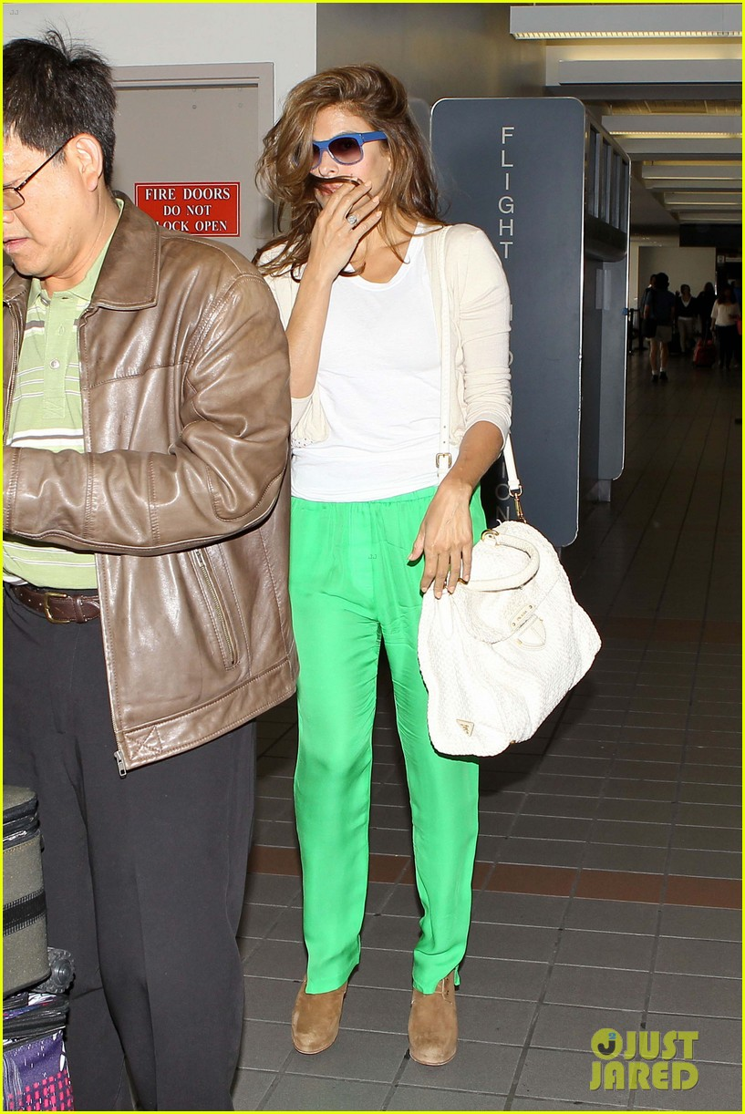 eva ryan leaving lax 04
