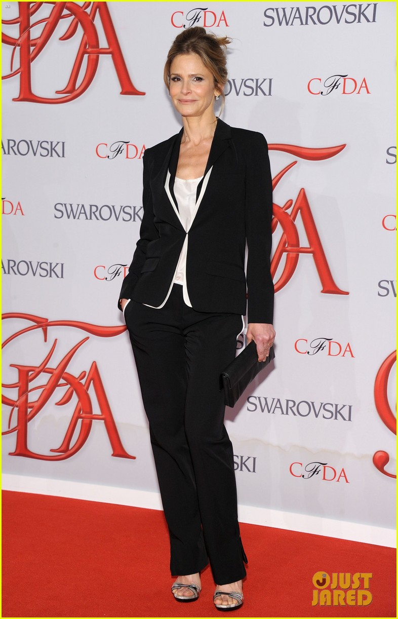 kyra sedgwick jessica stam cfda fashion awards 2012 17