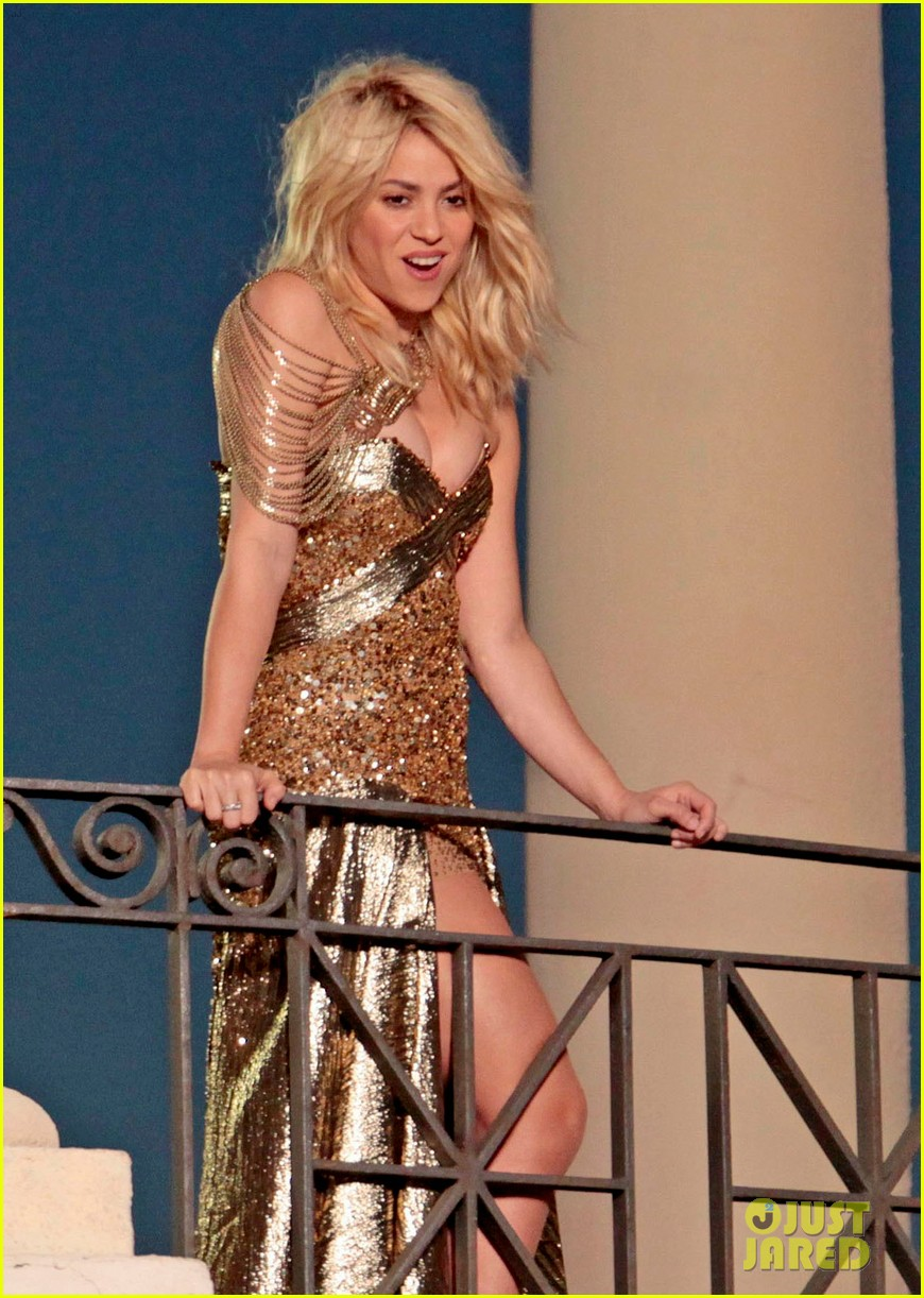 shakira gold 10