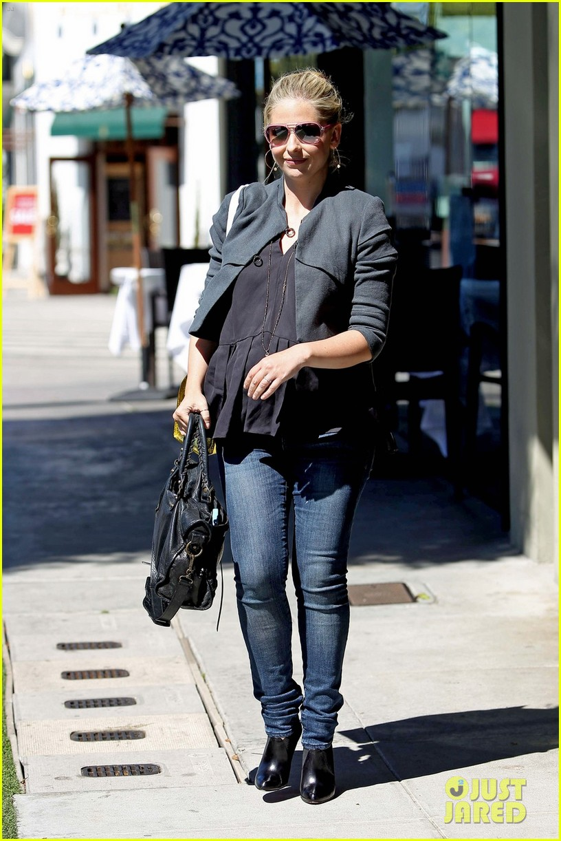 sarah michelle gellar shopping 04