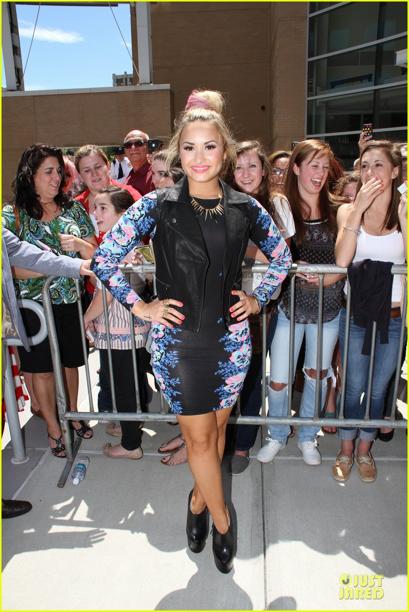 > Demi Lovato Can Trick Off On Me...IDGAF ! - Photo posted in Eyecandy - Celebrities and random chicks | Sign in and leave a comment below!