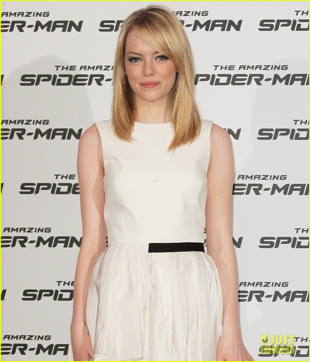 emma stone andrew garfield spider man italy photo call 05