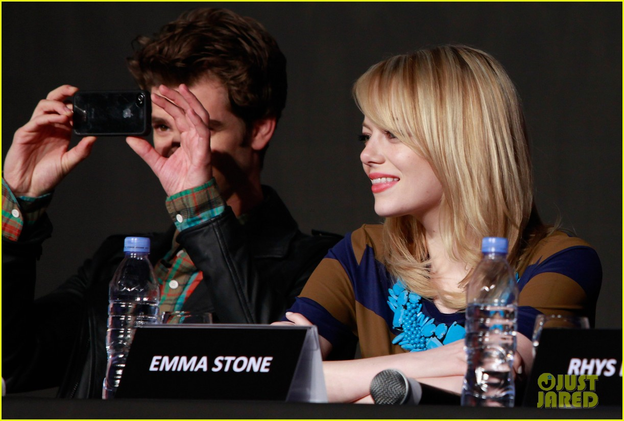 emma stone andrew garfield south korea press conference 10