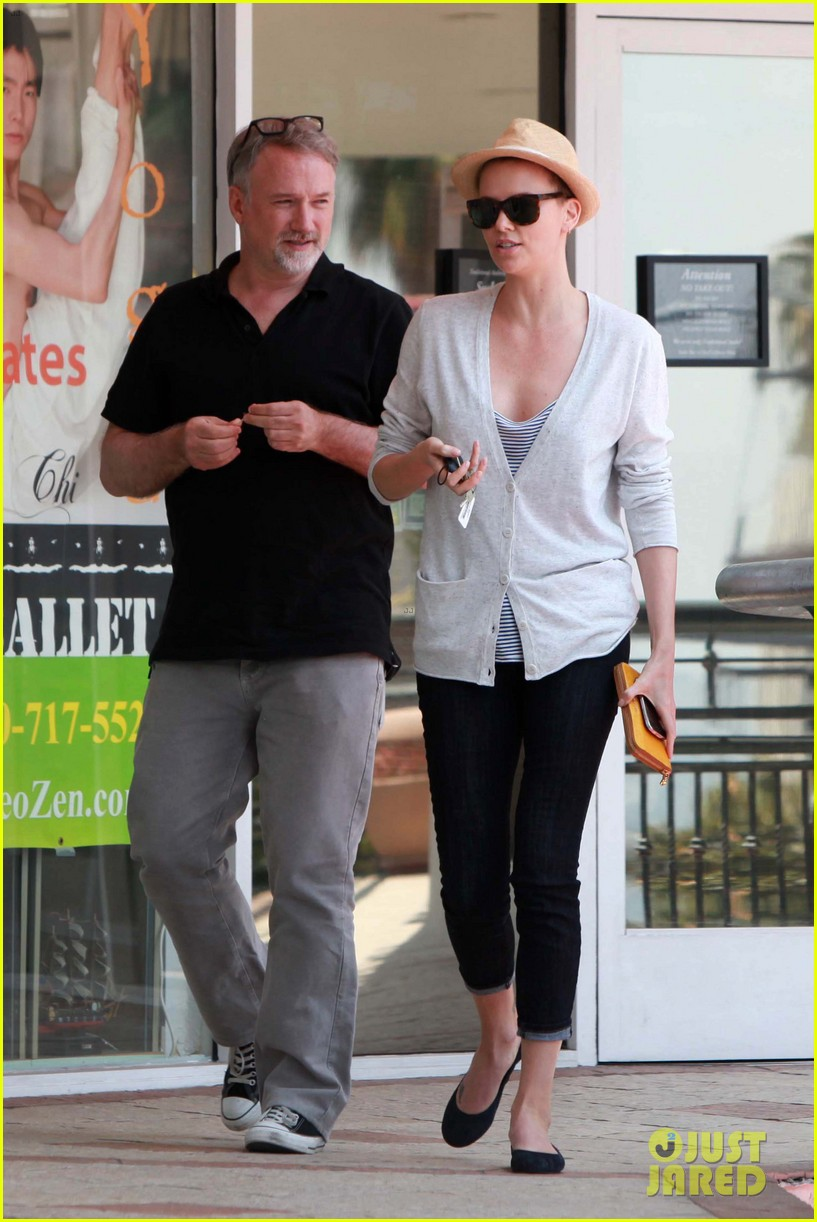 charlize theron sushi park lunch stop 07