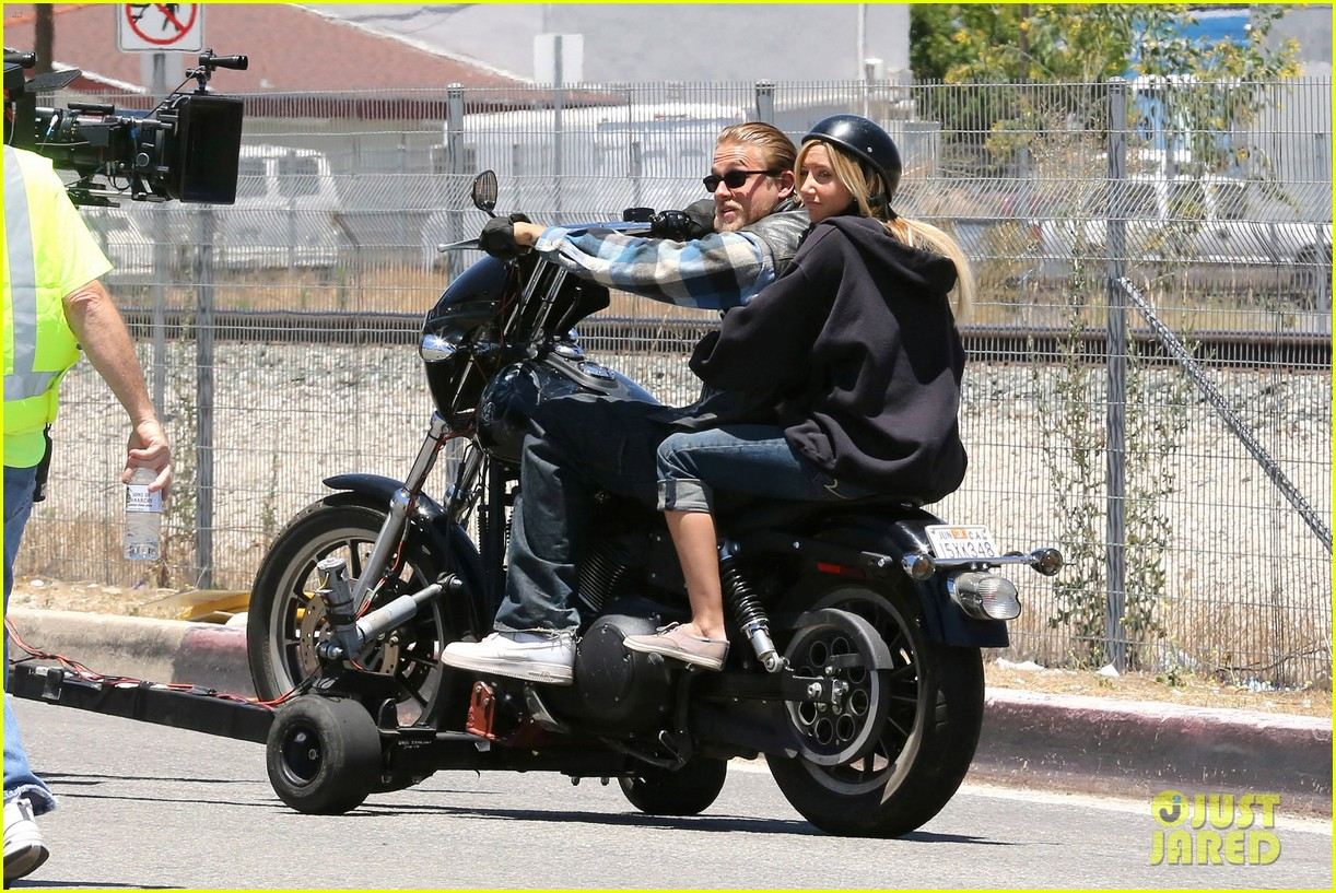 ashley tisdale charlie hunnam sons of anarchy 172679597
