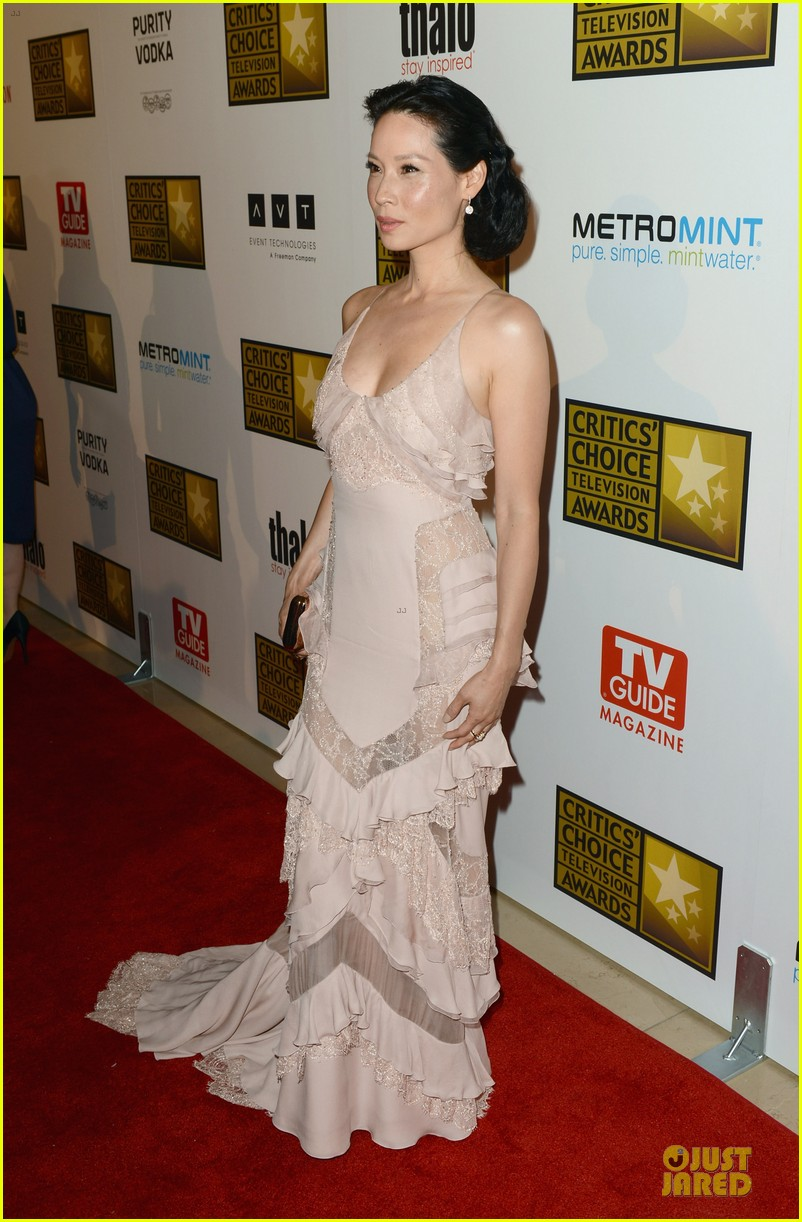 kate walsh lucy liu critics choice tv awards 2012 07