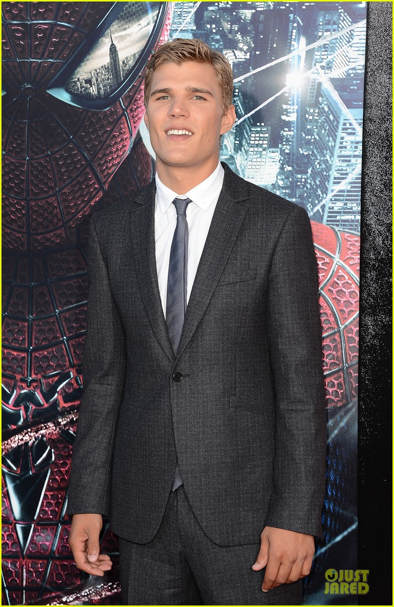 chris zylka spider man premiere 10