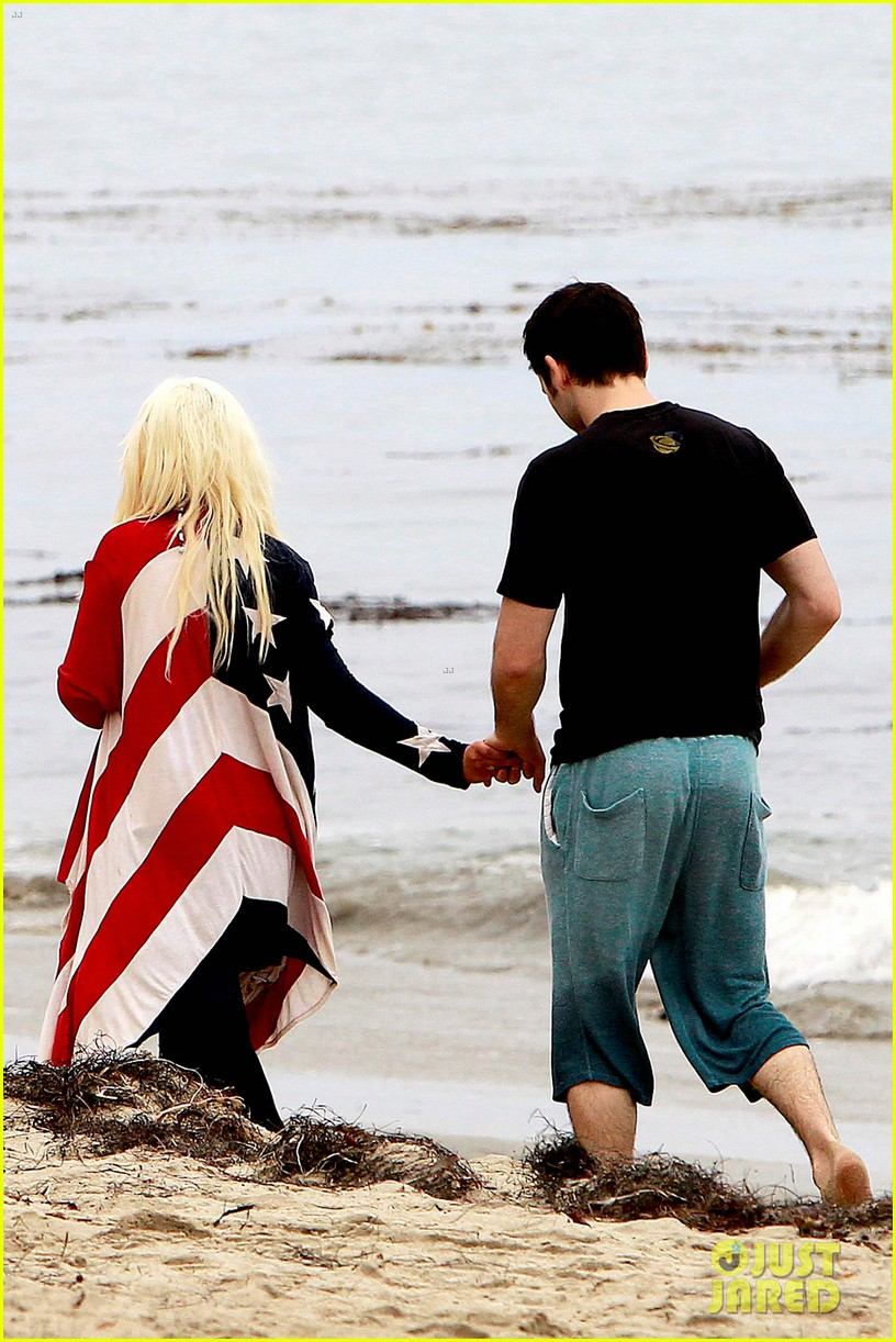 christina aguilera matthew rutler 4th of july with max 052683369
