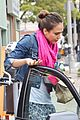 jessica alba coffee with cash 10
