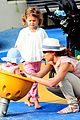 jessica alba park with girls 01