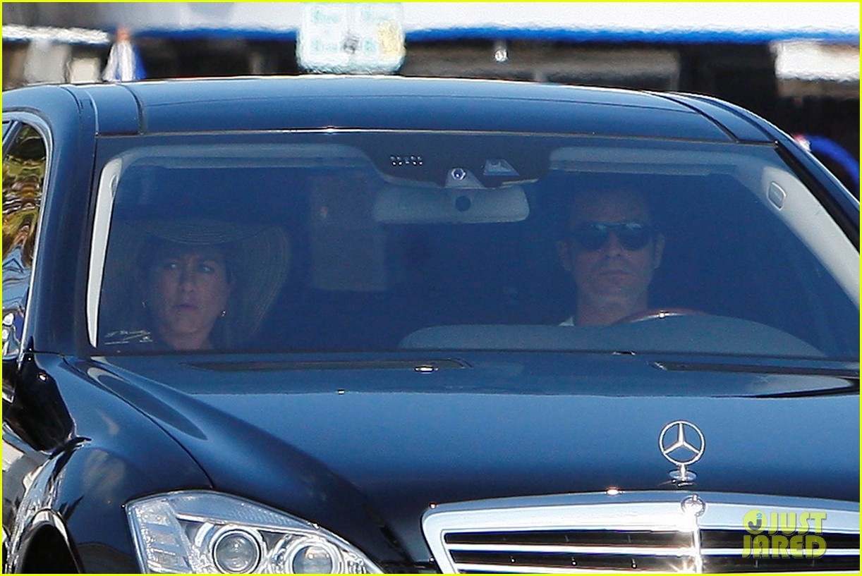 jennifer aniston justin theroux furniture shopping 11