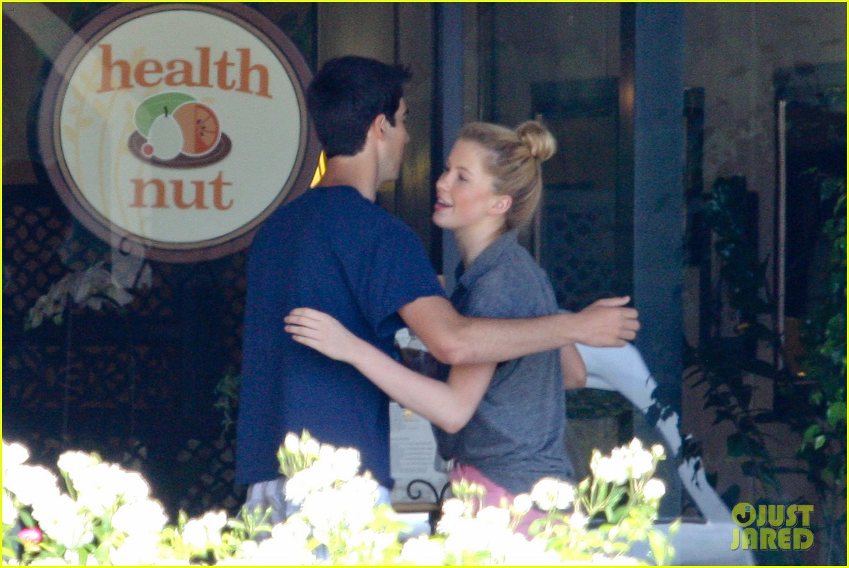 ireland baldwin health nut lunch after alec baldwins wedding 10