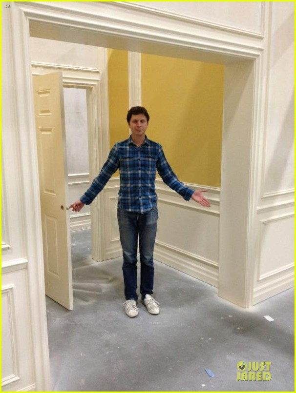 jason bateman tweets pics from arrested development set 01