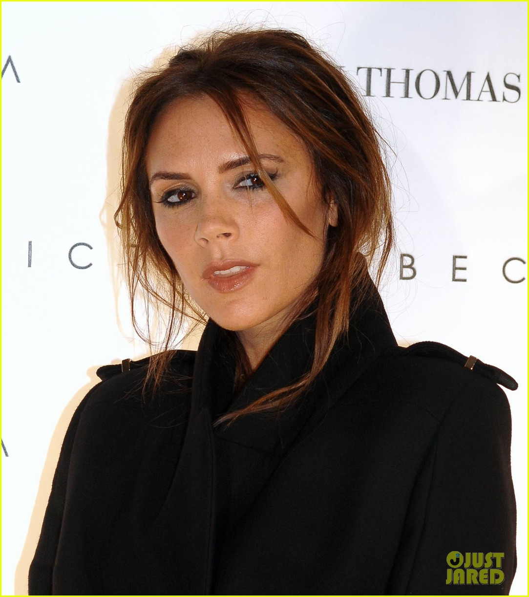 victoria beckham brown thomas presentation 08