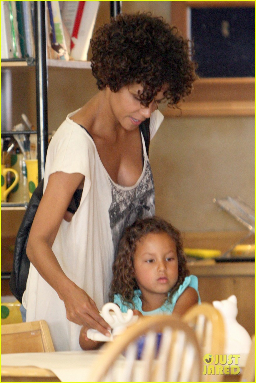 halle berry nahla color me mine 11