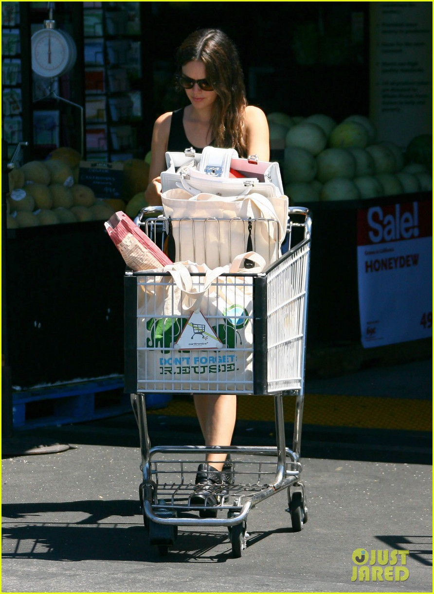 rachel bilson whole foods grocery shopping 06