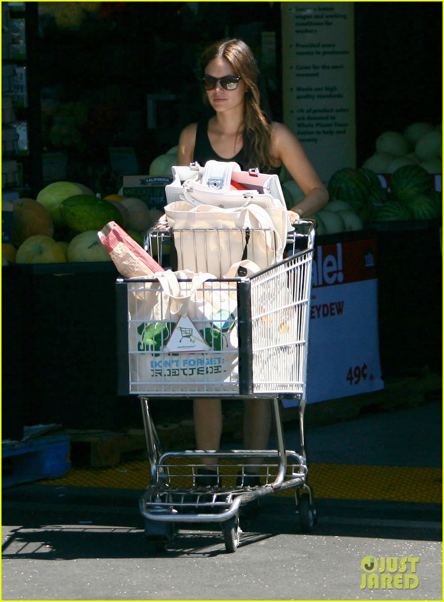 rachel bilson whole foods grocery shopping 11