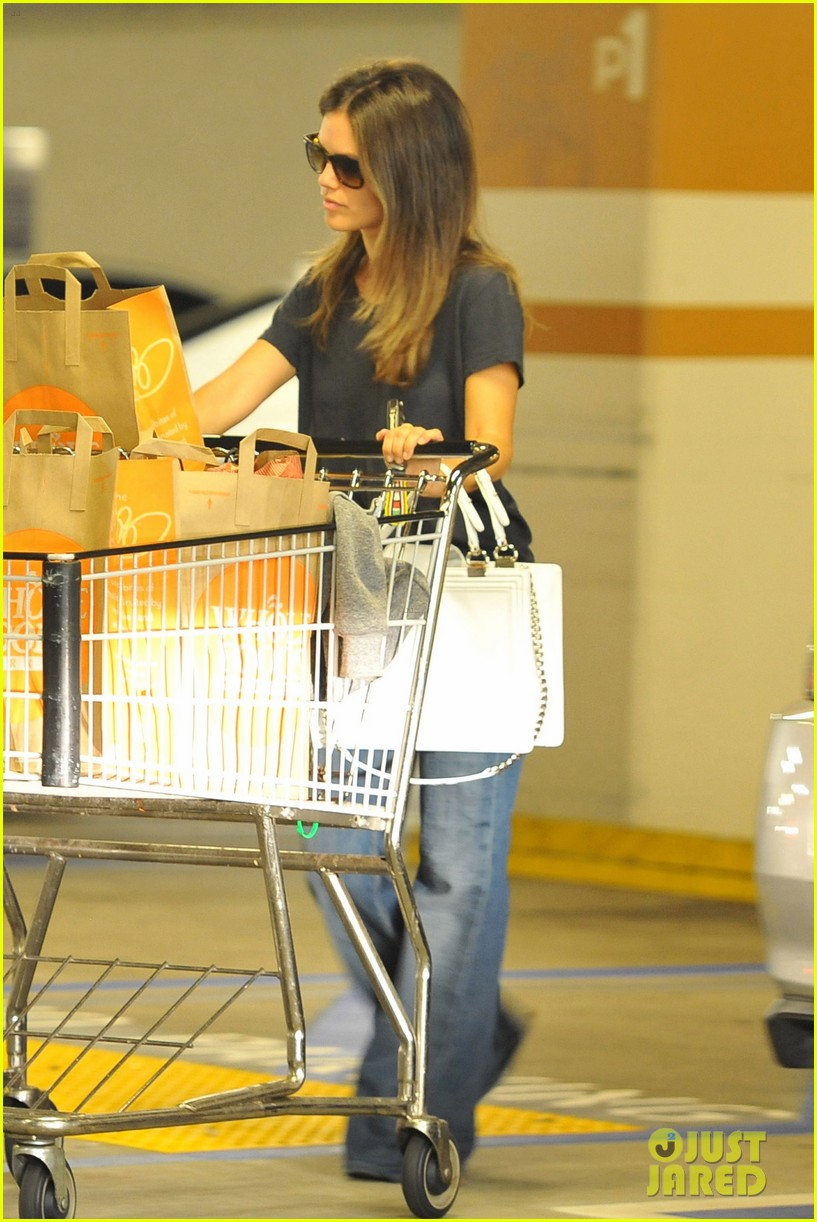 rachel bilson whole foods shopper 12