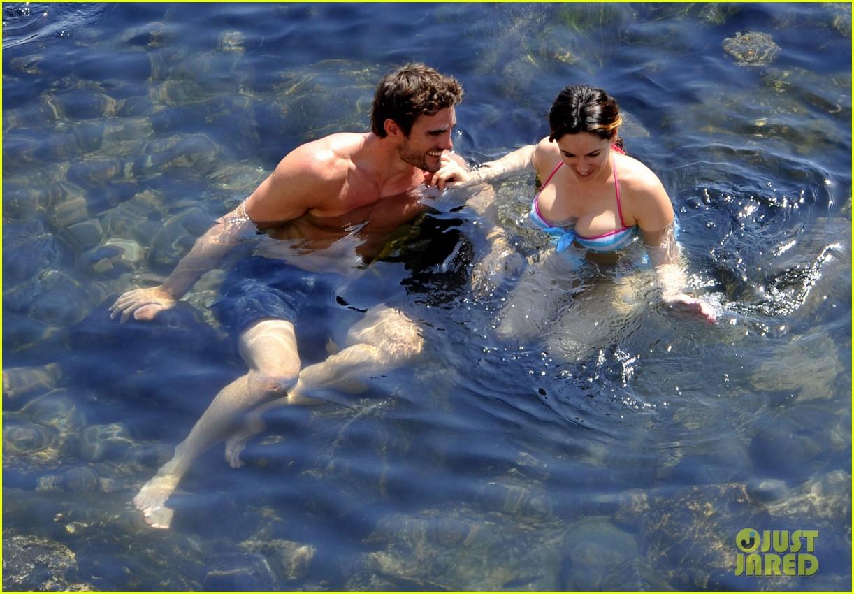 kelly brook thom evans ischia boat ride 082686451