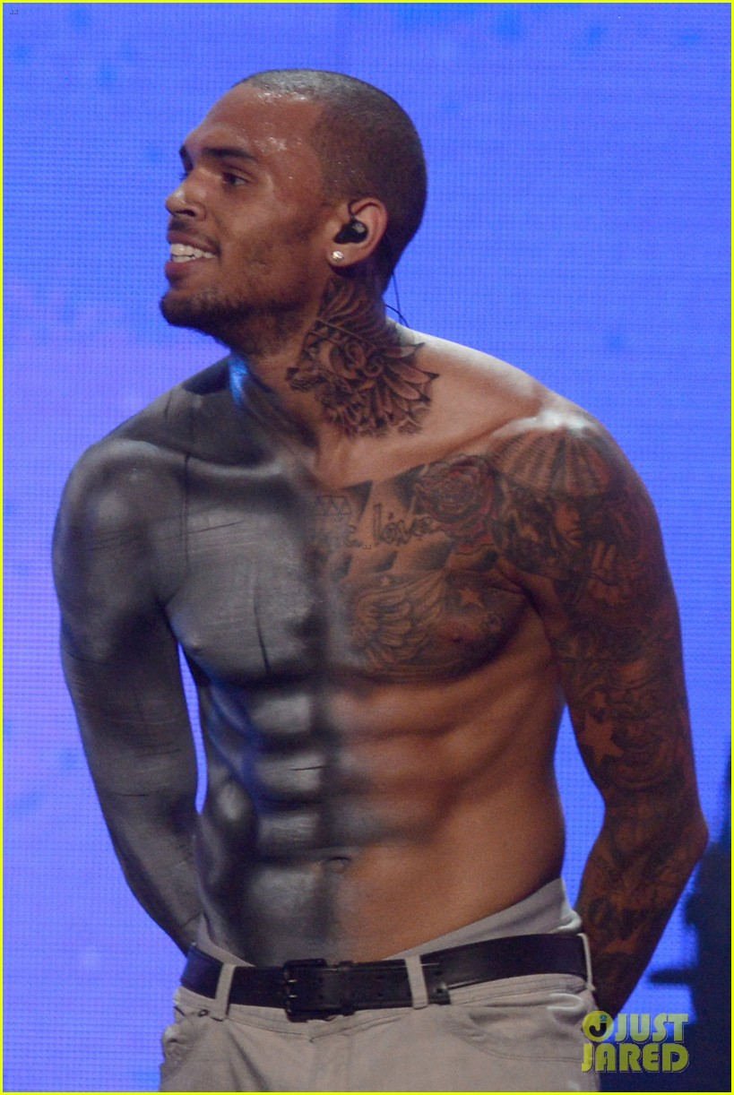 chris brown shirtless for bet awards performance 03