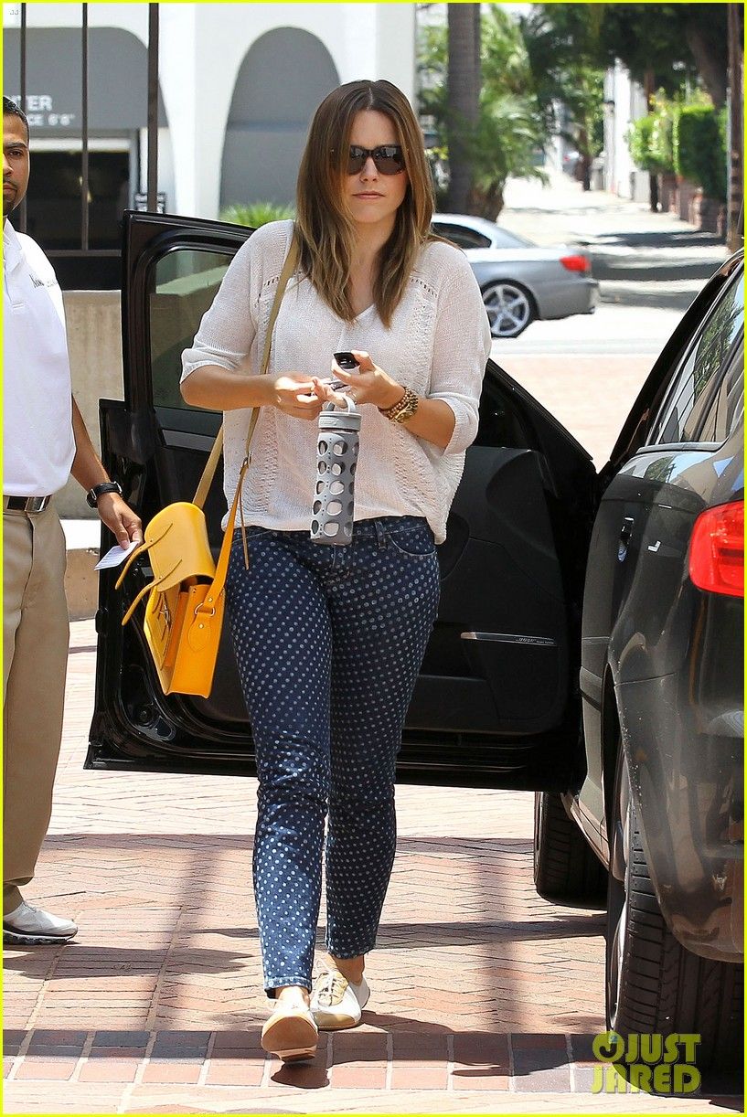 sophia bush neiman marcus shopper 06