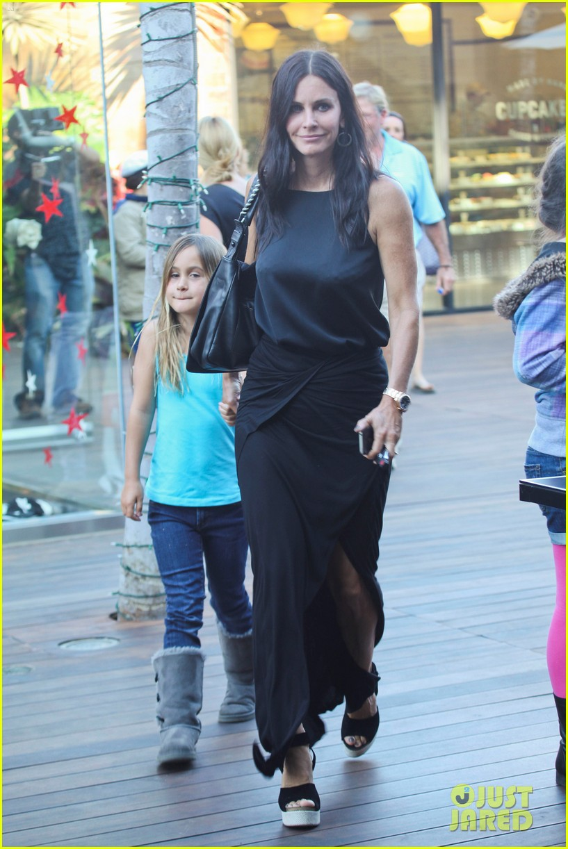 courteney cox coco habana cafe 012684328